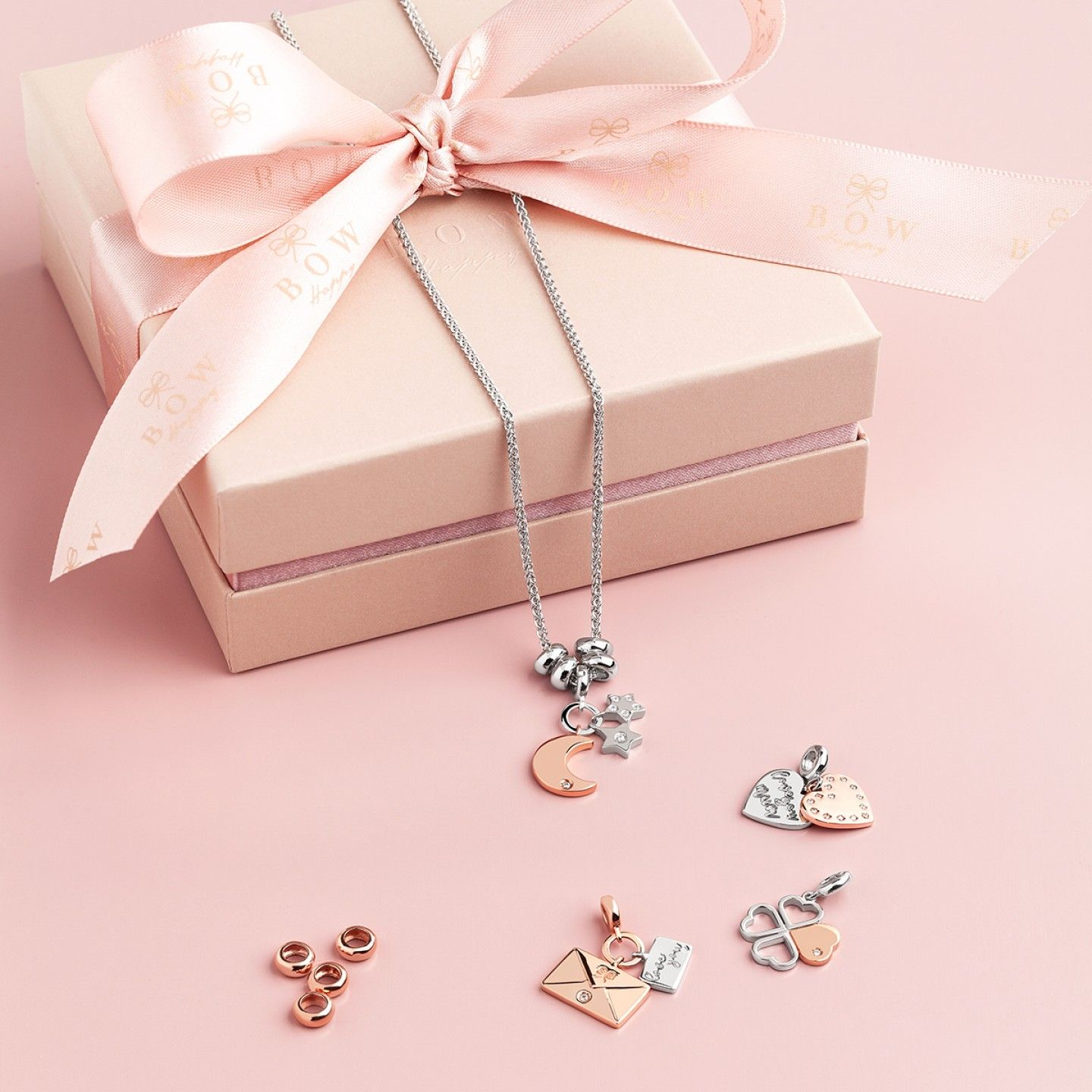 Charm BOW HAPPY Love Stories Mum Hearts